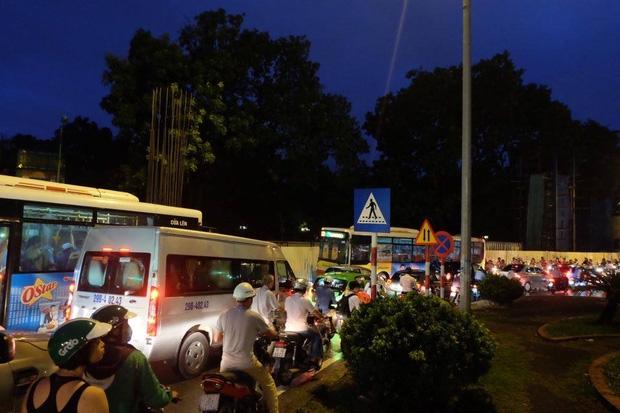 Tình trạng ùn tắc nối dài tại đường Kim Mã.