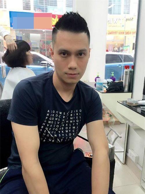 """ Đi cắt tóc, Việt Anh cũng phải làm bộ dáng như """"Phan Hải"""" chuẩn bị thanh toán đối thủ"""