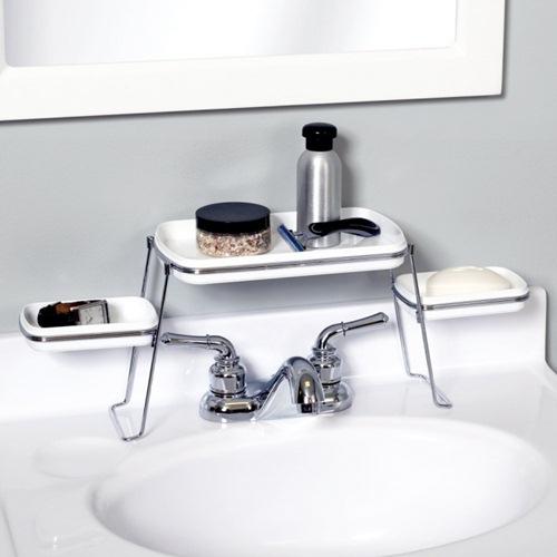 Làm giá ngay trên bồn rửa mặt để lưu trữ xà bông, các loại gel...