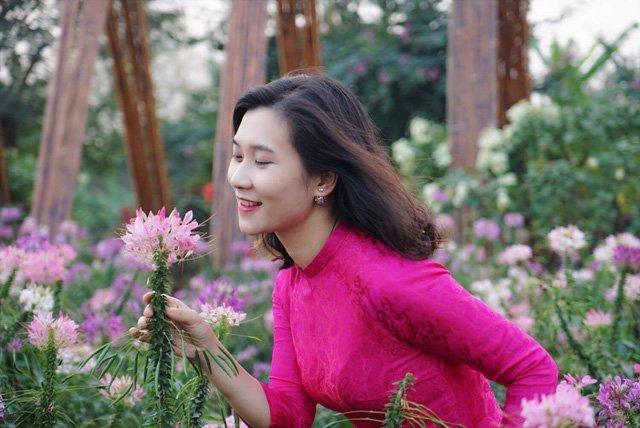 Dù mới đảm nhận vị trí dẫn bản tin Thời sự 19h nhưng BTV Khánh Trang đã nhận được sự yêu mến của khán giả.