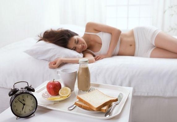 Dù là bất kỳ lý do gì, không ăn sáng cũng là thói quen lợi bất cập hại. (Ảnh minh họa).