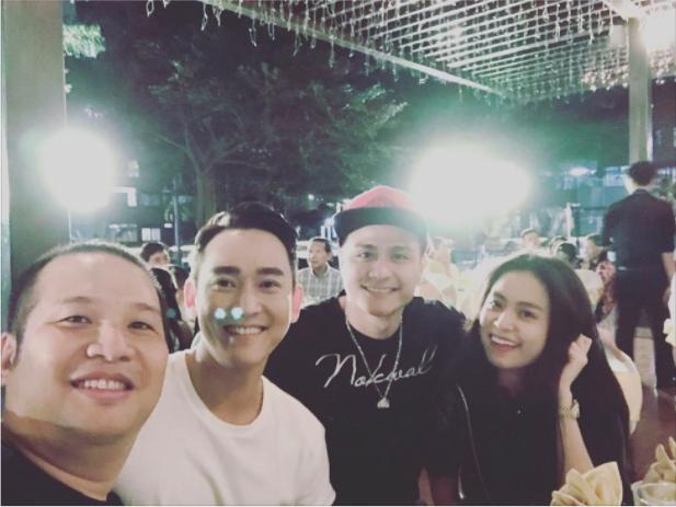 Trước đó, khoảnh khắc tình cảm của Hoàng Thùy Linh với bạn trai Vĩnh Thụy khi đi chơi cùng bạn bè đã được đạo diễn Quang Huy chia sẻ trên trang cá nhân.