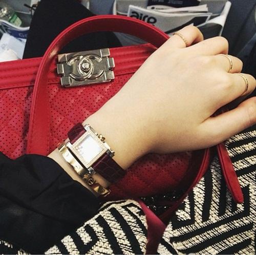 Chiếc túi Chanel trị giá hàng trăm triệu trong tủ đồ của con gái Hoa hậu Giáng My