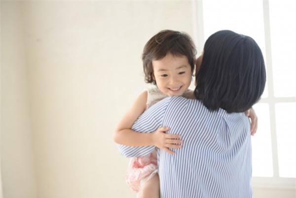"""""""5 phút thủ thỉ"""" và """"cái ôm 8 giây"""" - hai cách dạy con ngoan được nhiều cha mẹ Nhật áp dụng - Ảnh 4."""