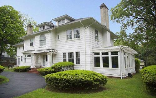 Căn nhà có giá trị thực vào khoảng 1,3 triệu USD nhưng được rao bán với giá 10 USD vì người muốn mua nó phải thỏa mãn điều kiện đặc biệt.