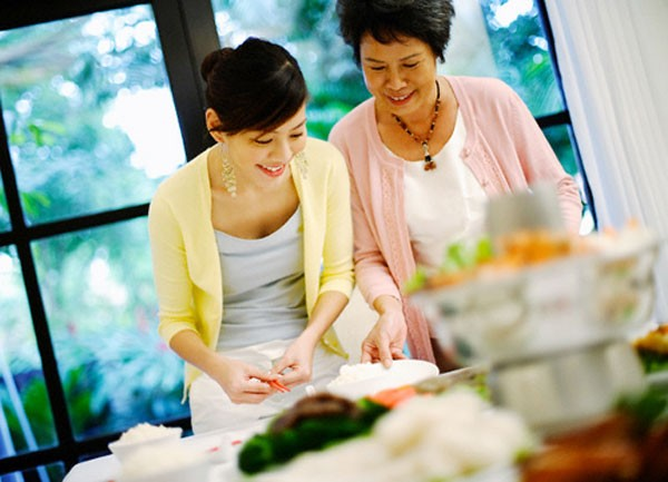 Nhiều cặp mẹ chồng, nàng dâu trở nên thân thiết hơn khi sống riêng nhà.