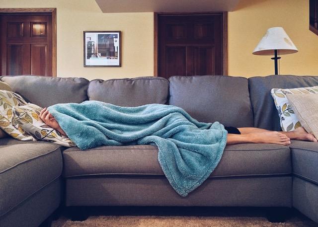 Gia chủ ngủ trên giường, khách ngủ ở sofa là chuyện bình thường ở Mỹ.