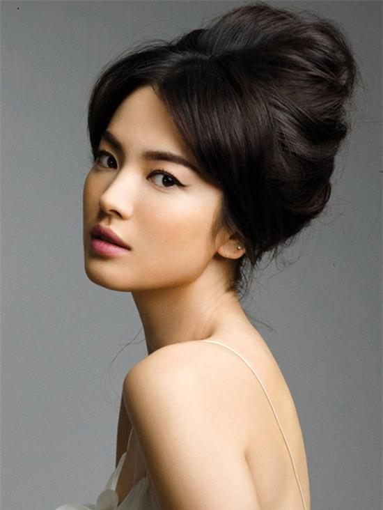 Bí quyết giữ dáng để luôn trẻ đẹp như gái đôi mươi của nữ thần hàng đầu châu Á Song Hye Kyo - Ảnh 4.