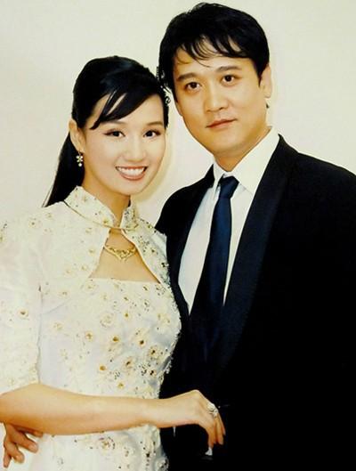 Năm 2011, người đẹp họ Lã đã kết hôn với doanh nhân Trần Anh sau 4 năm tìm hiểu.