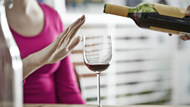 Uống rượu quá mức cũng có thể dẫn đến nguy cơ ung thư cổ họng