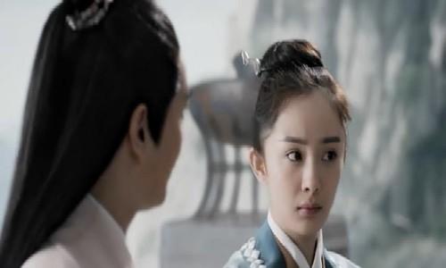 Tam sinh tam thế thập lý đào hoaphát sóng từ dịp Tết 2017 ở Trung Quốc, sau đó được nhiều người Việt theo dõi. Tác phẩm chuyển thể từ tiểu thuyết cùng tên của Đường Thất Công Tử, kể về mối duyên ba kiếp giữa Bạch Thiển (Dương Mịch) - con gái tộc trưởng tộc hồ ly ở Thanh Khâu - và thượng tiên Dạ Hoa (Triệu Hựu Đình). Vào tháng 8, bản điện ảnh của phim (Lưu Diệc Phi và Dương Dương đóng chính) được công chiếu ở Việt Nam, nhưng không được đón nhận như bản truyền hình.