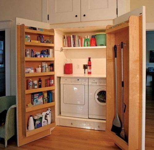 Với một chiếc tủ nhiều ngăn bạn có thể chứa hầu hết những vật dụng trong nhà.