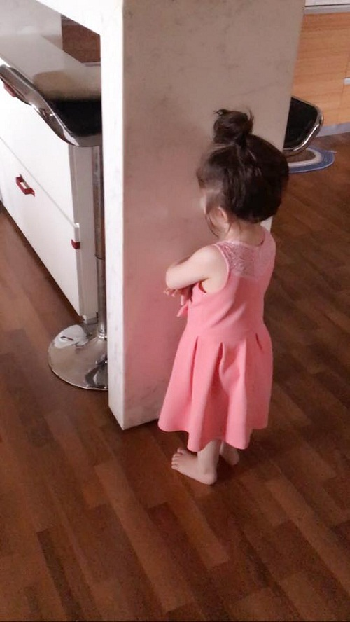 Những góc nhỏ trong nhà dù chỉ vô tình lọt vào máy ảnh cũng rất sạch sẽ ngăn nắp và không hề bừa bộn.