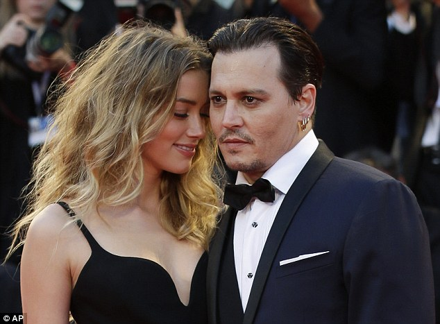 Nếu bạn yêu hai người cùng một lúc, hãy chọn người thứ hai. Bởi vì nếu bạn thực sự yêu người thứ nhất, bạn đã không ngã lòng trước người thứ hai - giải thích đầy khôn ngoan và chân thành của Johnny Depp trước scandal ngoại tình.