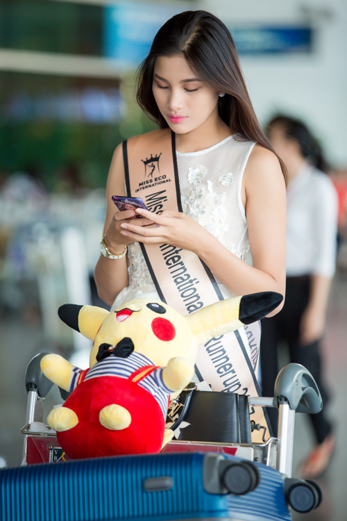 Cô khá lo lắng vì bị cơ quan chức năng triệu tập lên giải trình về việc đi thi không phép. Hôm nay, Nguyễn Thị Thành cùng người quản lý sẽ lên Sở Văn hóa Thể thao và Du lịch TP HCM trình diện.