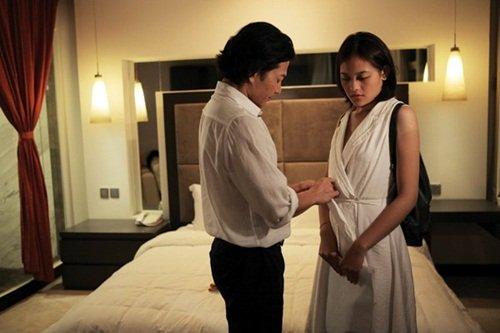Trong phim, cô thủ vai nhân vật Huyền, sinh viên sống một mình tại xóm đường tàu Hà Nội. Cô bị bạn trai bỏ rơi sau khi thông báo tin mình có bầu. Mất người yêu, lại rơi vào cảnh trắng tay, Huyền buộc phải nhờ Linh, một chàng trai chuyển giới hành nghề bán dâm tìm cho một vị đại gia. Kể từ đó, cô bắt cặp với Hoàng (Trần Bảo Sơn), người đàn ông có khoái cảm đặc biệt với phụ nữ có bầu.
