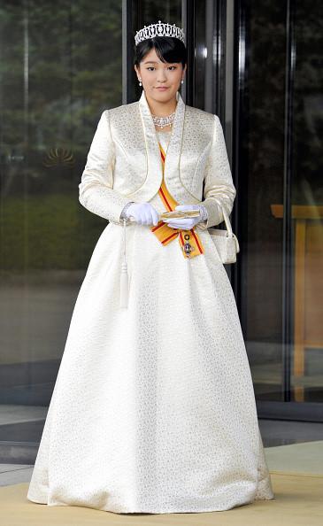 Công chúa Mako đang chuẩn bị kết hôn với bạn học cũ tại Đại học Cơ đốc giáo Quốc tế (ICU) nơi cô từng theo học. Sau khi kết hôn với hôn phu Kei Komuro, Công chúa Mako sẽ không còn là một phần của gia đình Hoàng gia và trở thành công dân bình thường. Ảnh: AP.