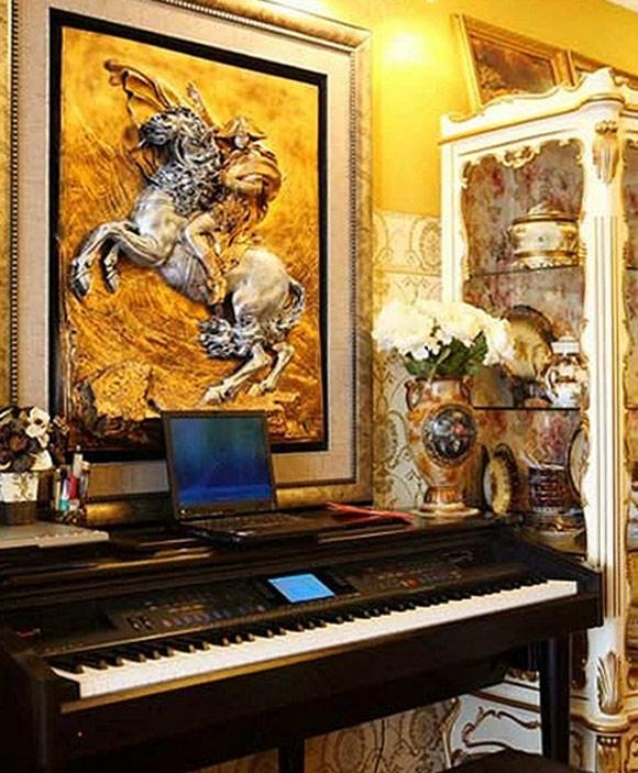 Phong cách nội thất thống nhất với những họa tiết và kiểu dáng đậm chất cổ điển sang trọng.