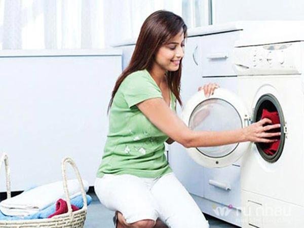 Tùy thuộc vào tình trạng và chất liệu của quần áo mà lựa chọn chế độ giặt thích hợp