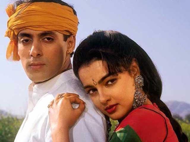 Khán giả những năm 1990 tiếc nuối các vai diễn thời đỉnh cao của Kulkarni. Bạn diễn của cô đều là các nam diễn viên nổi tiếng như Shah Rukh Khan, Salman Khan...