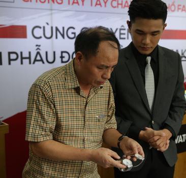 Phó Chánh văn phòng thường trực Ban chỉ đạo 389, ông Hồ Quang Thái cũng không thể phân biệt được đồng hồ giả bằng mắt thường