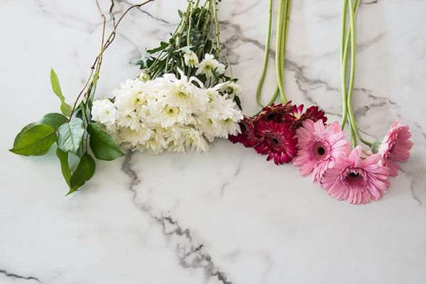 Kết quả hình ảnh cho nguyên liệu cắm giỏ hoa