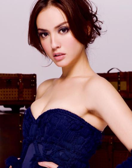 Vẻ đẹp gợi cảm của người mẫu Hong Kong Liêu Bích Lệ