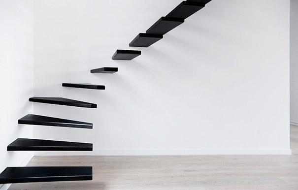 Bạn có muốn trải nghiệm cảm giác như đang bước đi trên không trung với thiết kế bậc thang này không?
