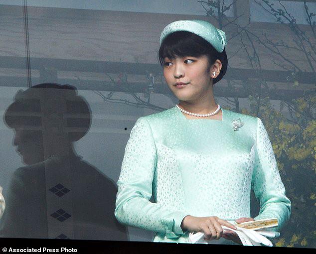 Hiện tại, ngoài việc giữ vai trò của một công chúa, cô còn là nghiên cứu viên tại Bảo tàng Đại học Tokyo cũng như là người bảo trợ danh dự của Hiệp hội Tennis Nhật Bản.