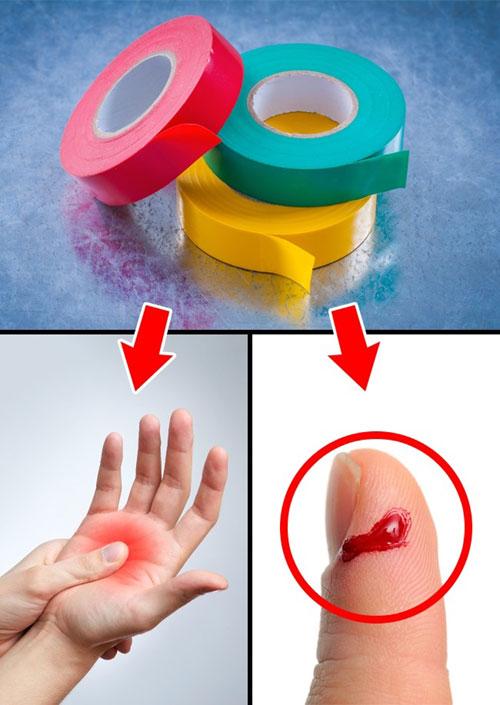 Trong trường hợp quên mang băng dán vết thương, băng dính sẽ là cứu cánh cho bạn.