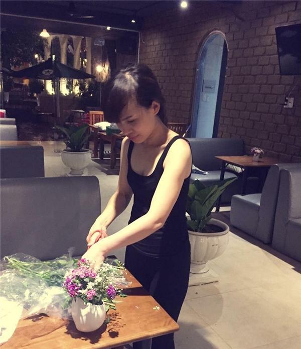 Hoài Lê từng là một nhân viên ngân hàng nhưng sau đó đã nghỉ việc để kinh doanh.