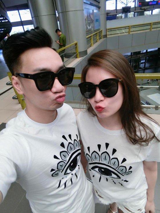 Sau sự cố tranh cãi ồn ào đó, MC Thành Trung đã có phần cởi mở hơn trong các lần xuất hiện và chụp ảnh chung với bạn gái hot girl.