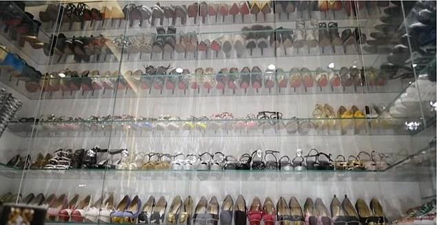 Khi tìm được một mẫu giày ưa thích, Jamie sẽ không ngại ngần lấy đủ các màu.
