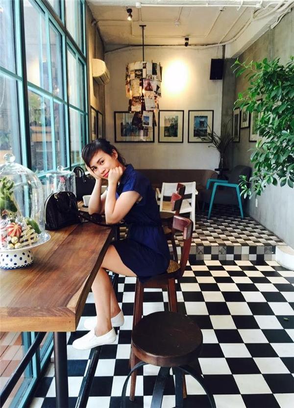 Chị làm chủ một quán cafe sang trọng ở Thành phố Hồ Chí Minh.