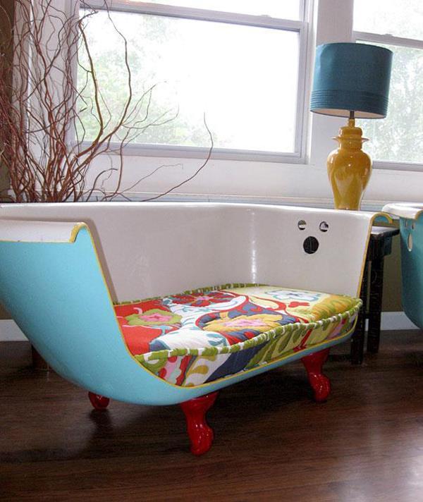 Một chiếc sofa cá tính từ bồn tắm cũ, tại sao lại không nhỉ?