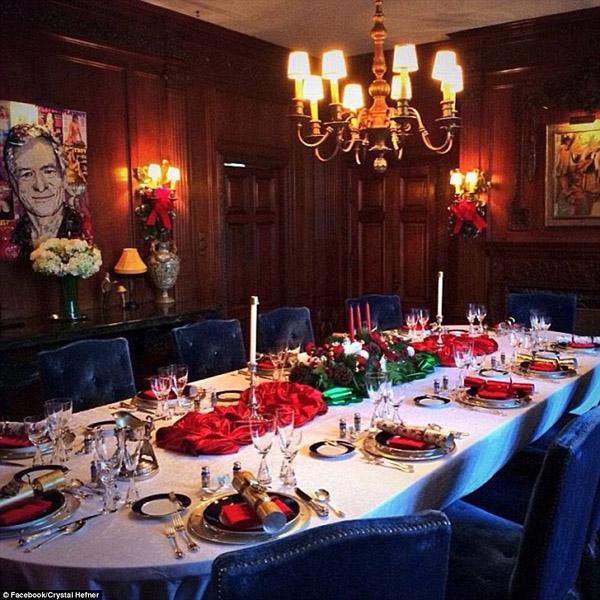 Phòng ăn sang trọng theo phong cách quý tộc.