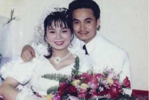 Nghệ sĩ Xuân Hinh lập gia đình vào năm 1995.