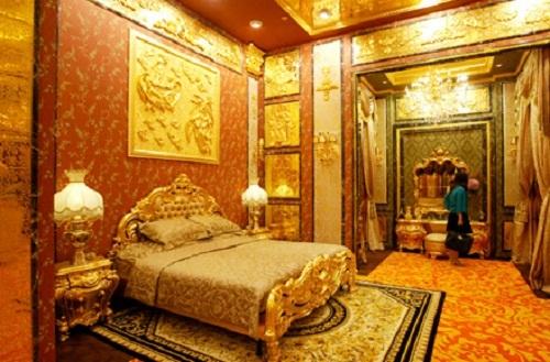 Phòng ngủ bằng vàng với chi phí qua đêm là 2.500 USD/ đêm tương đương 500 triệu VND
