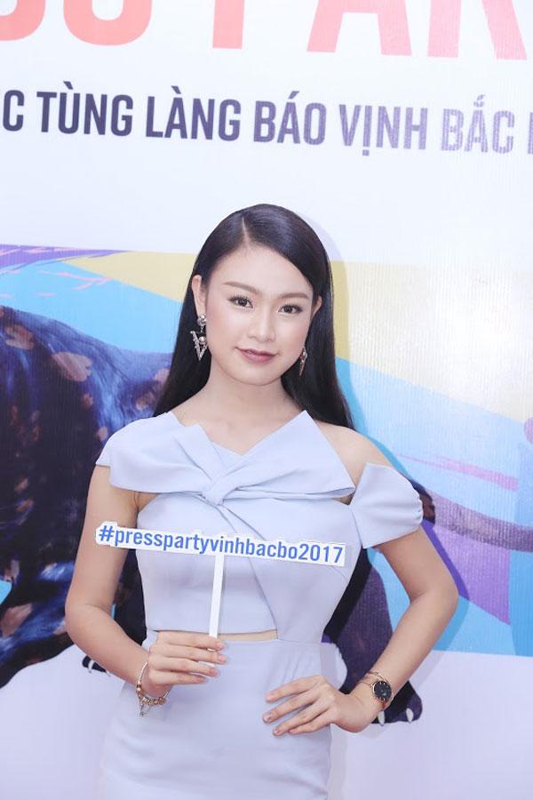 Người đẹp Phùng Ngọc Bảo Vân.
