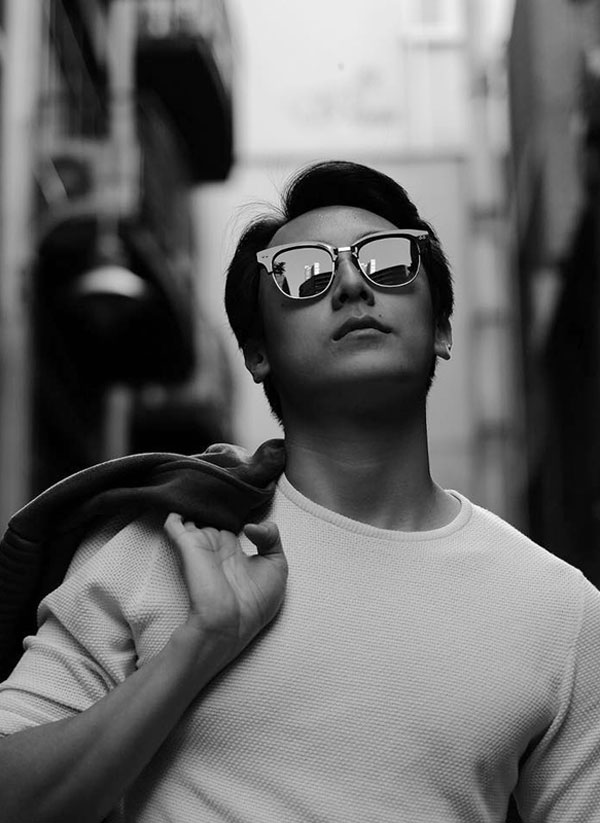 Gương mặt đẹp, vóc dáng chuẩn và tài năng chính là lợi thế của Rocker Nguyễn. Chính vì vậy, anh cho biết không muốn dùng chuyện yêu đương để PR tên tuổi.