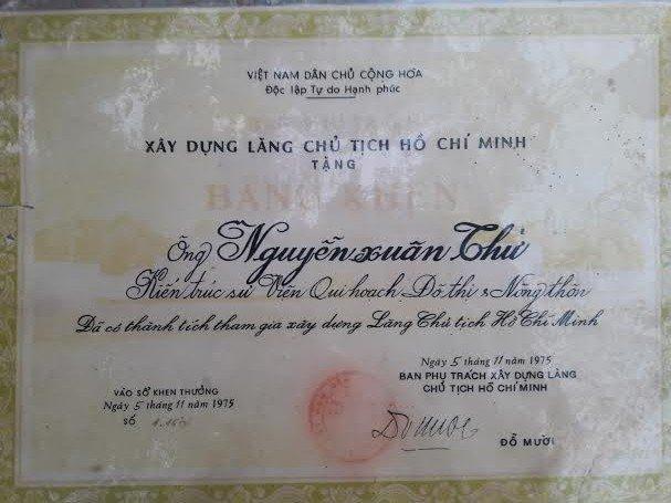 KTS Nguyễn Xuân Thử được nhận bằng khen vì có thành tích tham gia xây dựng Lăng Bác