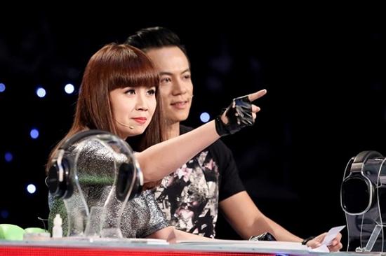 Nhạc sĩ Lưu Thiên Hương trên ghế nóng The remix.