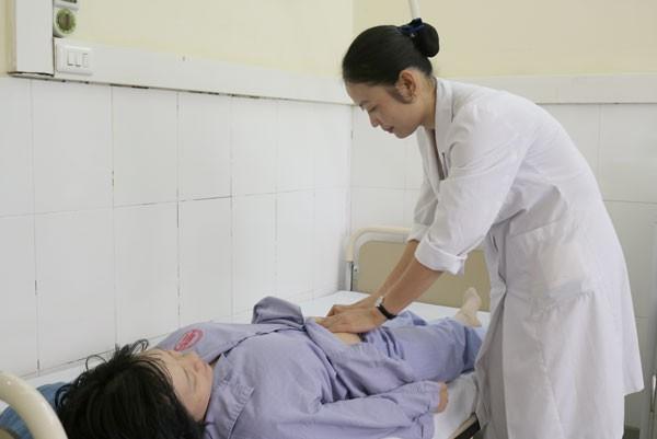 Thai phụ bị ong đốt dẫn đến sốc phản vệ nguy kịch. Ảnh: Bệnh viện cung cấp