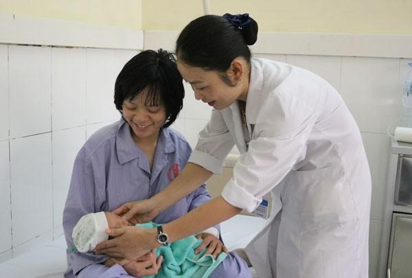 Hiện tại sức khỏe 2 mẹ con chị Hương đã ổn định. Ảnh: Bệnh viện cung cấp