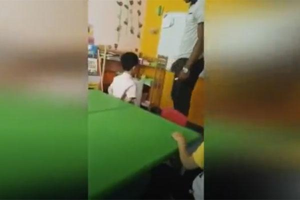 Thầy giáo ngoại quốc đánh học sinh tại trường.