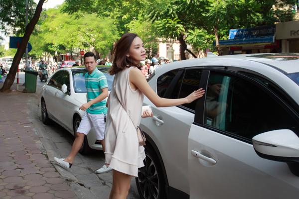 Trong một sự kiện, Tố Như được chồng đưa đón tận tình.
