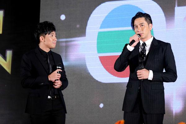 Trấn Thành khiến fan nức lòng khi giao lưu với Ngô Trác Hy.