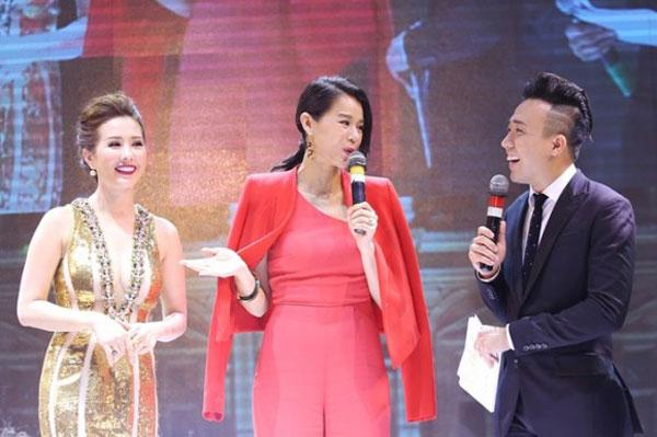 Năm 2016 anh tự tin làm chủ sân khấu với Hoa hậu TVB Hồ Hạnh Nhi.