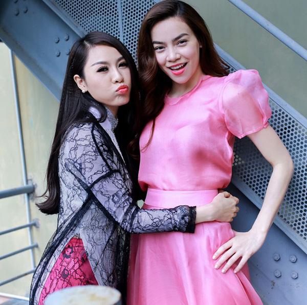 Hồ Ngọc Hà và Quế Vân là đôi bạn thân từ nhiều năm nay của showbiz, cả hai cùng trưởng thành từ cái nôi người mẫu ở Hà Nội.