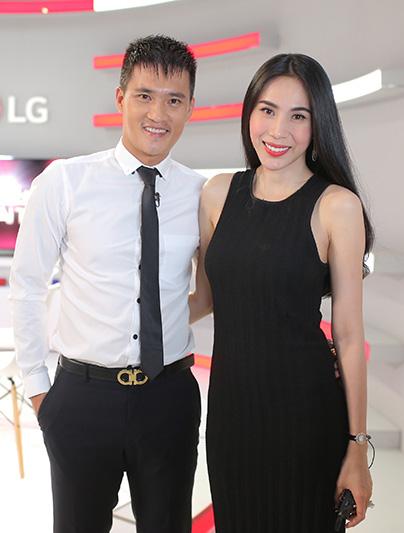 Công Vinh - Thủy Tiên là cặp đôi cầu thủ và nghệ sĩ thành công điển hình của showbiz Việt